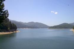 I laghi della Sila: Ampollino, il lago pilota